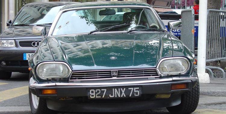 Jaguar XJ-S HE in typical Parisian condition.
